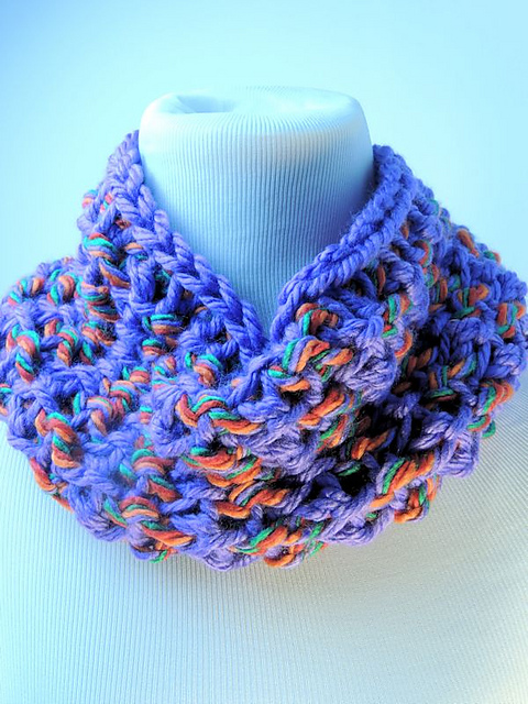 CrochetKim Free Crochet Pattern | Mardi Gras Cowl @crochetkim