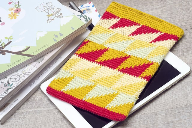 Free Crochet Pattern: iPad Mini Sleeve