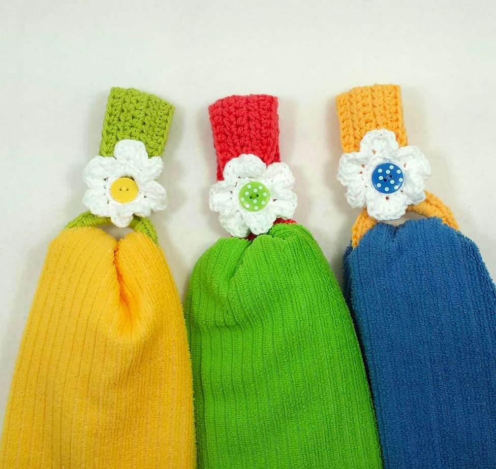 Daisy Towel Holder Free Crochet Pattern