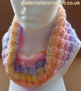 Free Crochet Pattern: A Neck Cowl