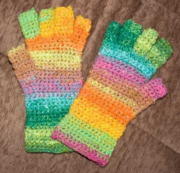 No Sew Fingerless Mitts Free Crochet Pattern Crochetkim