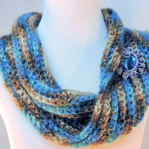 Easy Sea Bling Cowl Free Crochet Pattern for Beginners