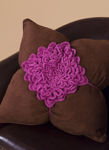 CrochetKim Free Knit Pattern | Petal Flower Pillow Top