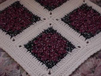 CrochetKim Free Crochet Pattern | Sparkling Poinsettias Afghan