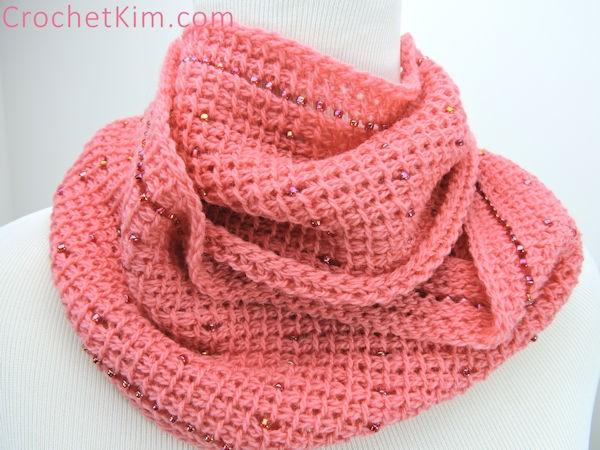 CrochetKim Free Crochet Pattern | Pink Fantasy Infinity Scarf