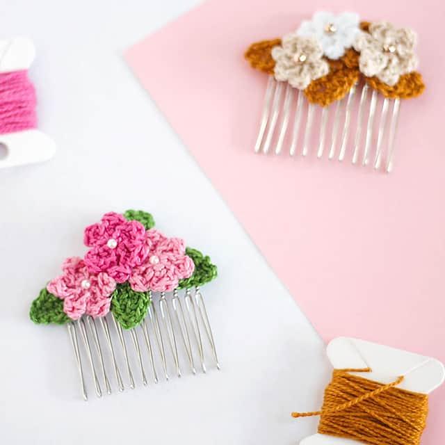 Free Crochet Pattern: Flower Hair Clips