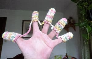 Free Crochet Pattern: Microwave Finger Gloves