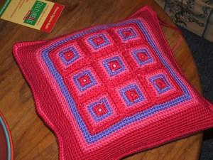 Tween Blanket and Pillow   CrochetKim Free Crochet Pattern