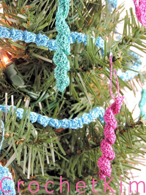 CrochetKim Free Crochet Pattern | Mini Icicle Christmas Tree Ornament @crochetkim