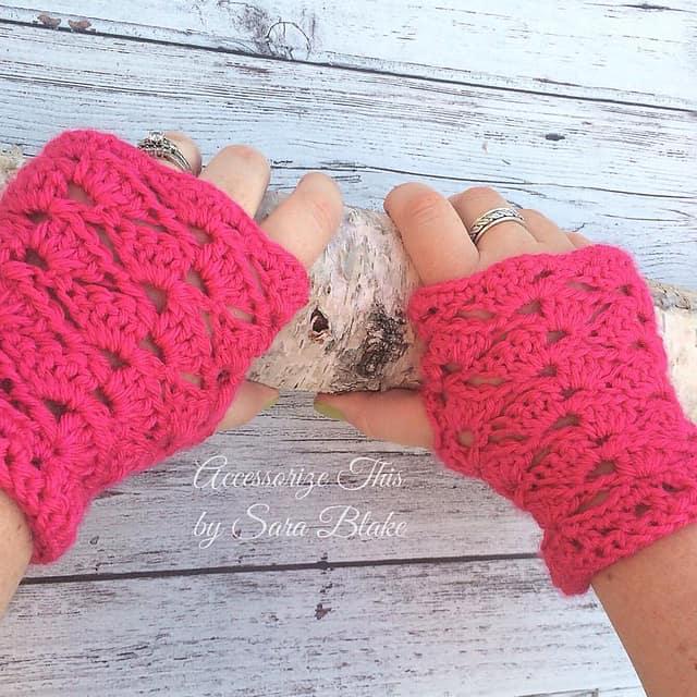 Free Crochet Pattern: Rockskipper Wristers