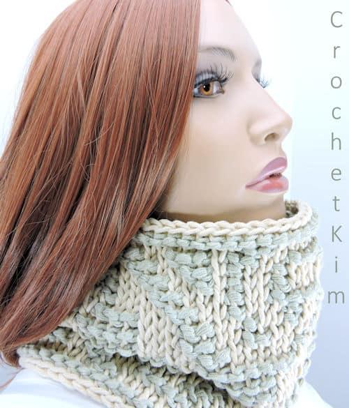 Free Crochet Pattern: Casual Cowl
