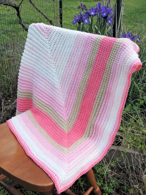 Straight to the Heart Baby Blanket | CrochetKim Free Crochet Pattern