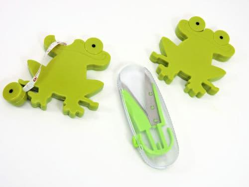 Make It Crochet Weekly Giveaway: Frog Tape Measure and Pop Up Scissor Snips