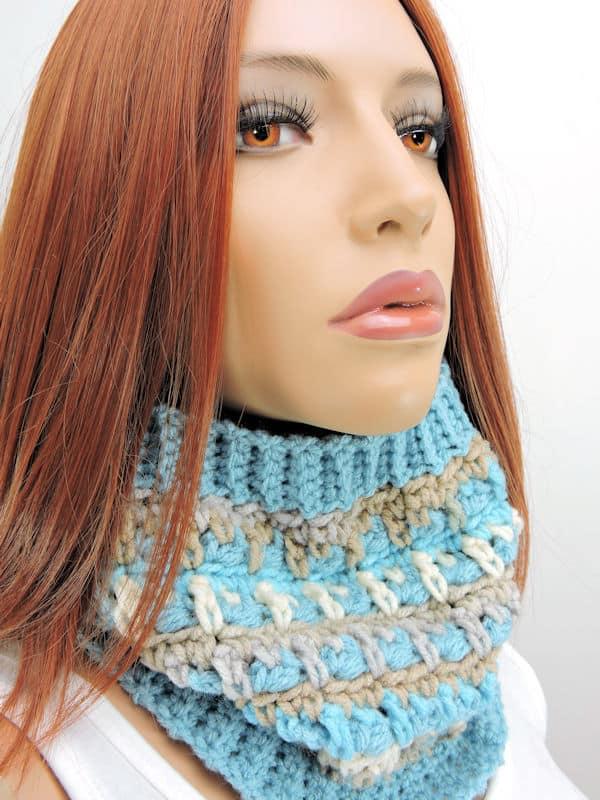 Icicles Cowl in Red Heart Yarns CrochetKim Free Crochet Pattern