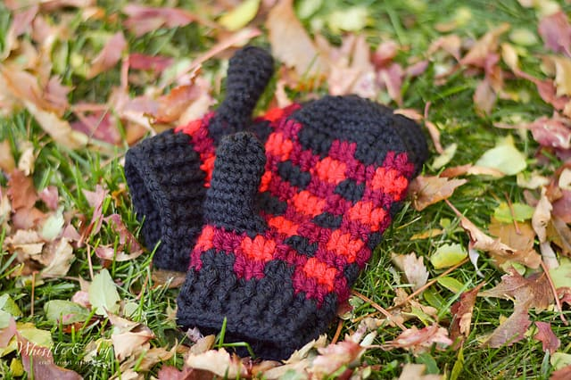 Free Crochet Patterns: Buffalo Plaid Mittens