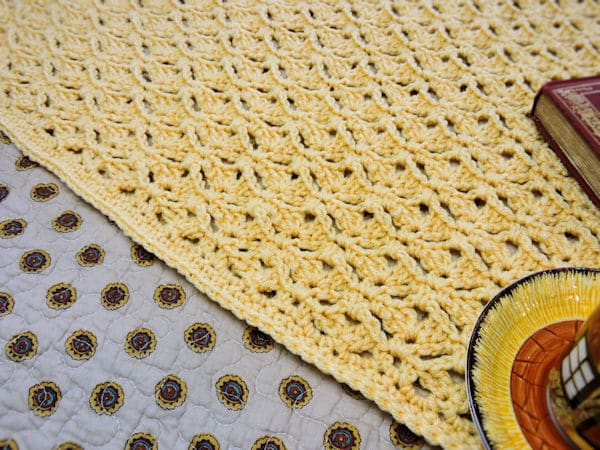 CrochetKim Free Crochet Pattern | Graceful Shells Throw @crochetkim