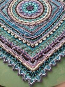 Link Blast: 10 Fabulous Free Crochet Patterns for Mandala Blankets