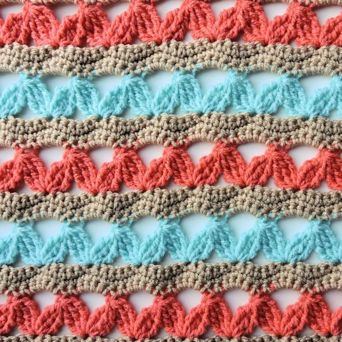 Zig Zag Hugs Lap Throw | CrochetKim Free Crochet Pattern