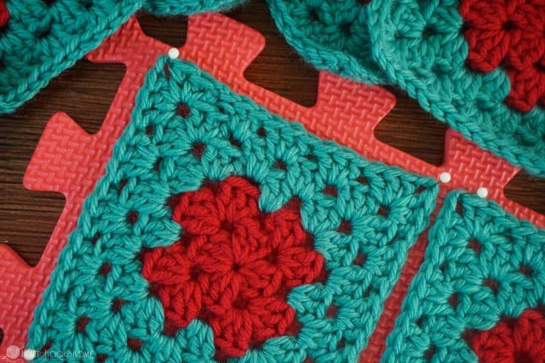 Top 10 Tips for Selling at Craft Fairs from CrochetKim.com (photo credit to Heart Hook Home)