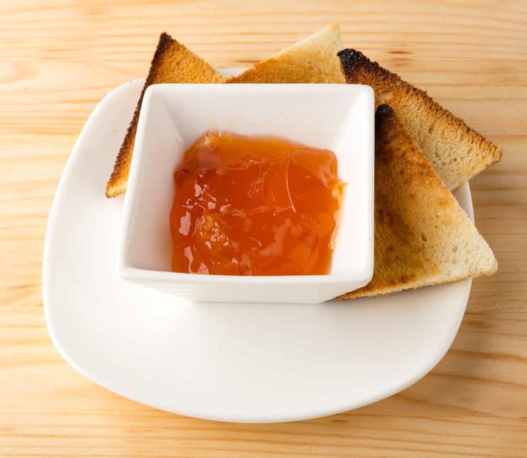 24Bite Recipe: Papaya Jelly Without Commercial Pectin (photo credit: mikhaild via 123RF)