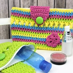 Flirty Makeup Clutch or Crochet Hook Holder Free Crochet Pattern